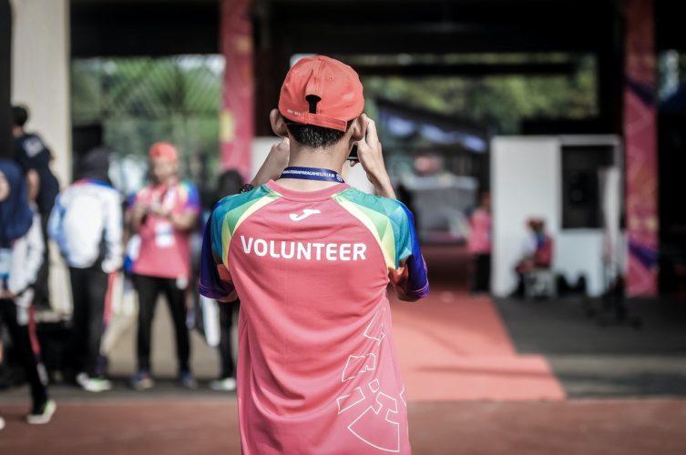vrijwilligers inzetten